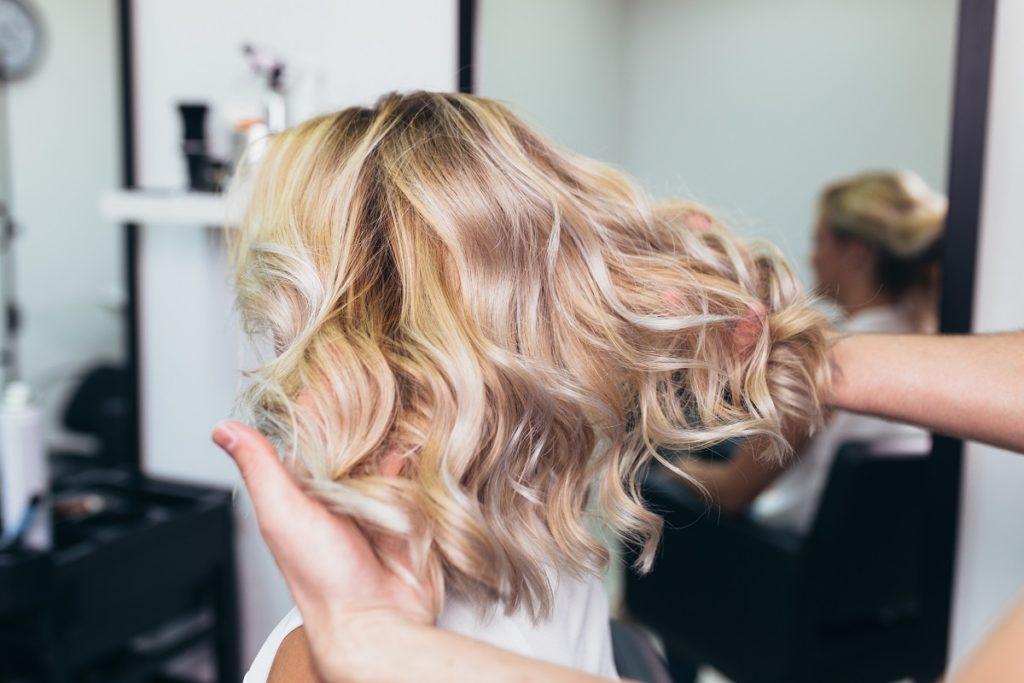 Coiffure balayage 2021 pour cheveux légers et moyens