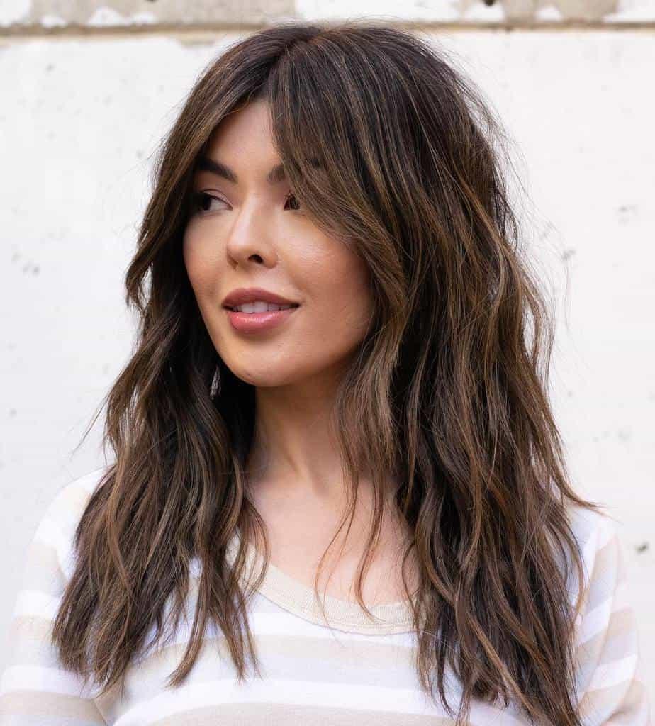 Cheveux longs et fins 2021: Cheveux superposés avec frange