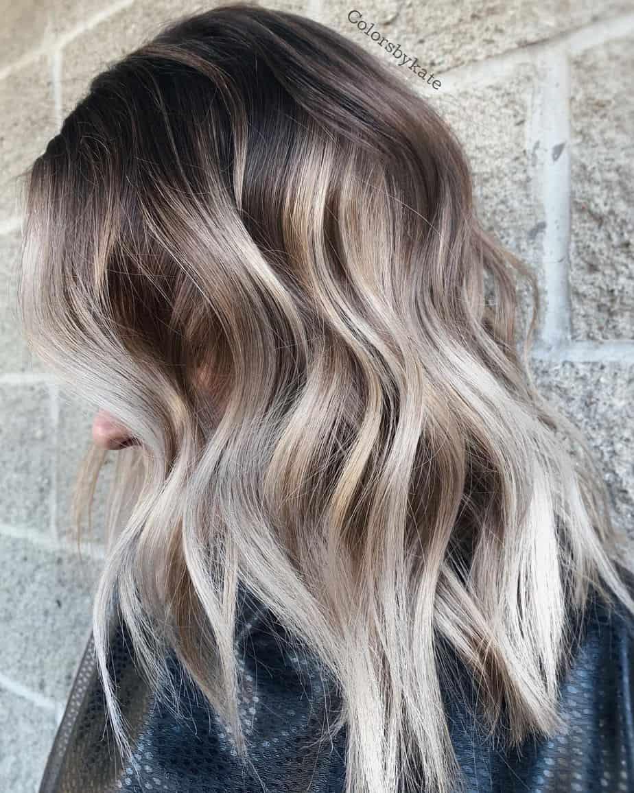 Couleurs de cheveux populaires Ombré 2021: Fabuleux blond platine