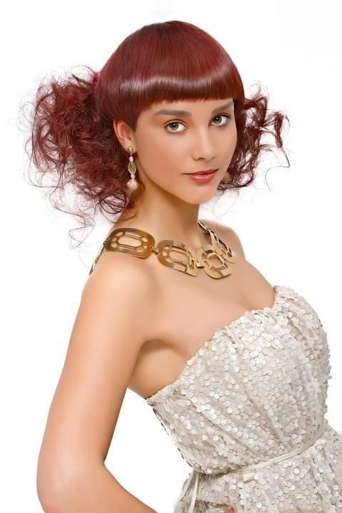 Caractéristiques du soin des cheveux rouges