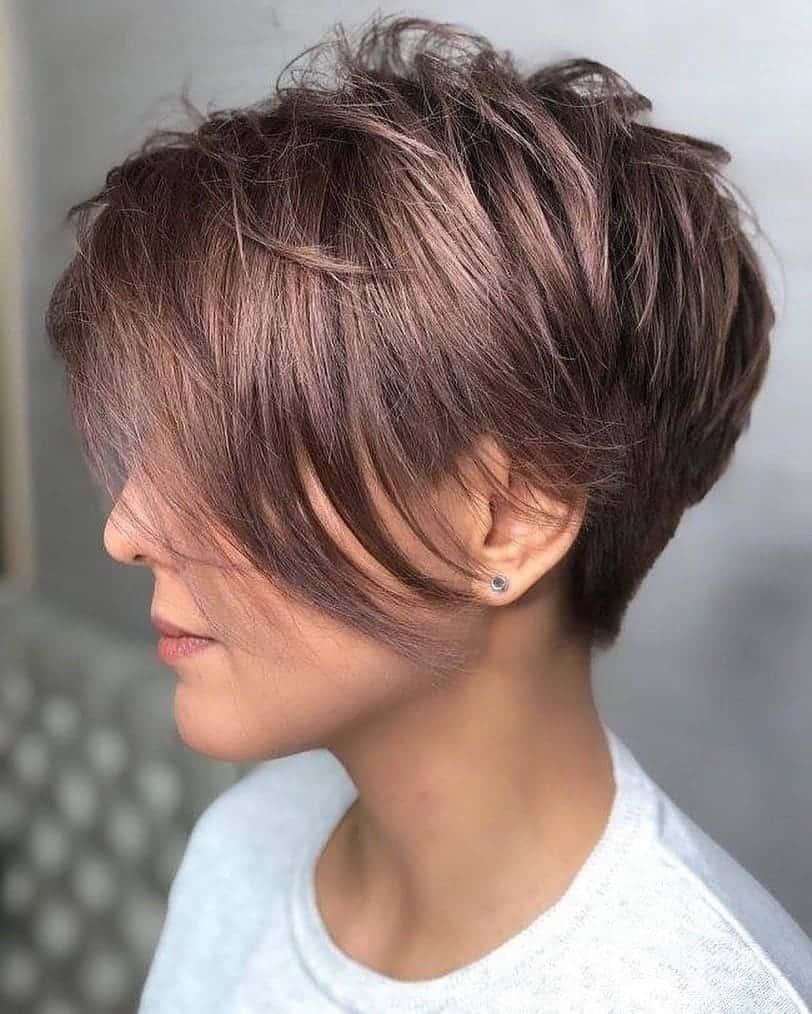 Des cheveux courts pour des cheveux fins 2021: Pixie avec de longues couches
