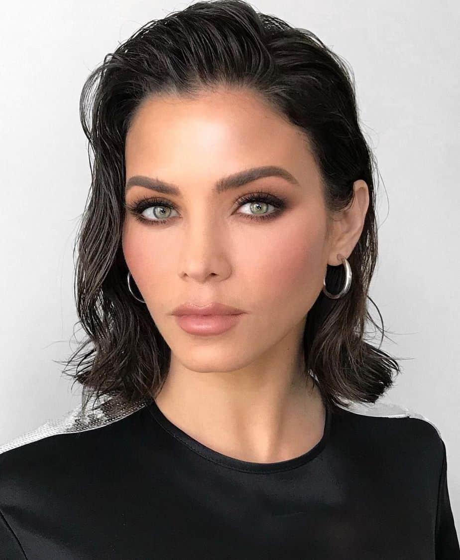 Les meilleures coiffures féminines 2021: Cheveux mouillés
