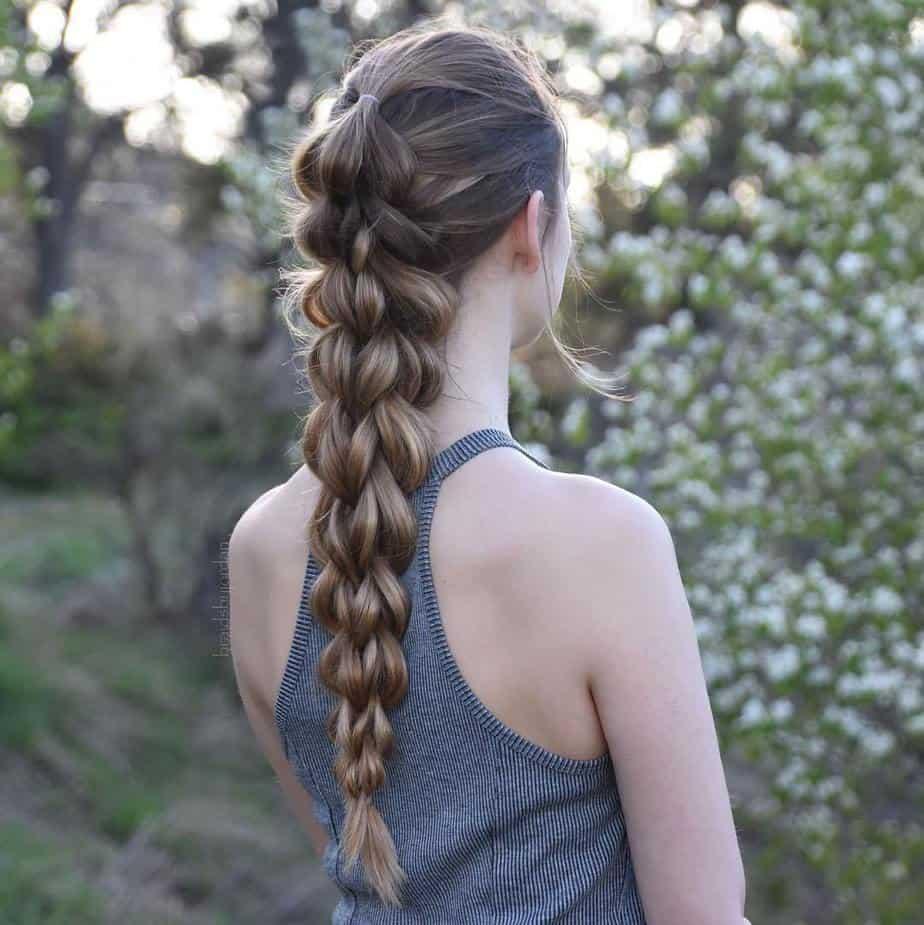 Les meilleures coiffures longues femmes 2021: Tresse passe-partout