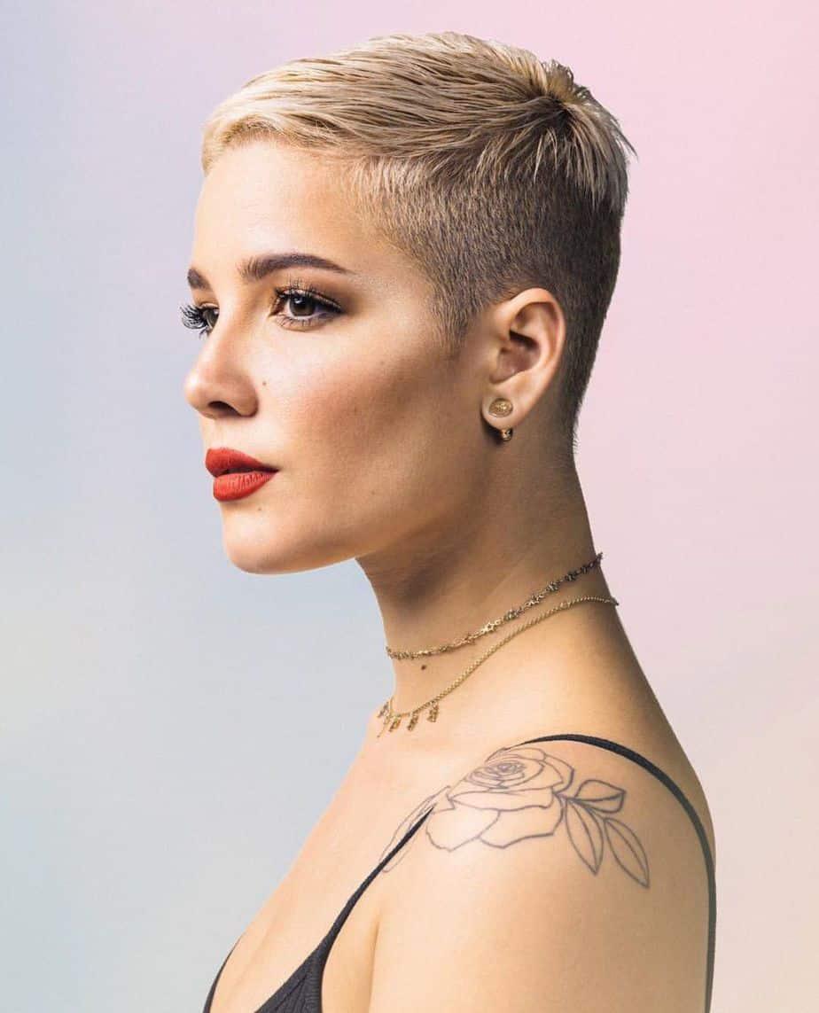 Tendances pour les cheveux courts : coupe Pixie moderne