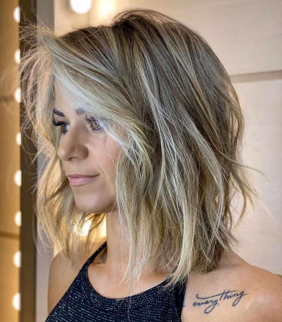Coupes de cheveux mi-longues 2021
