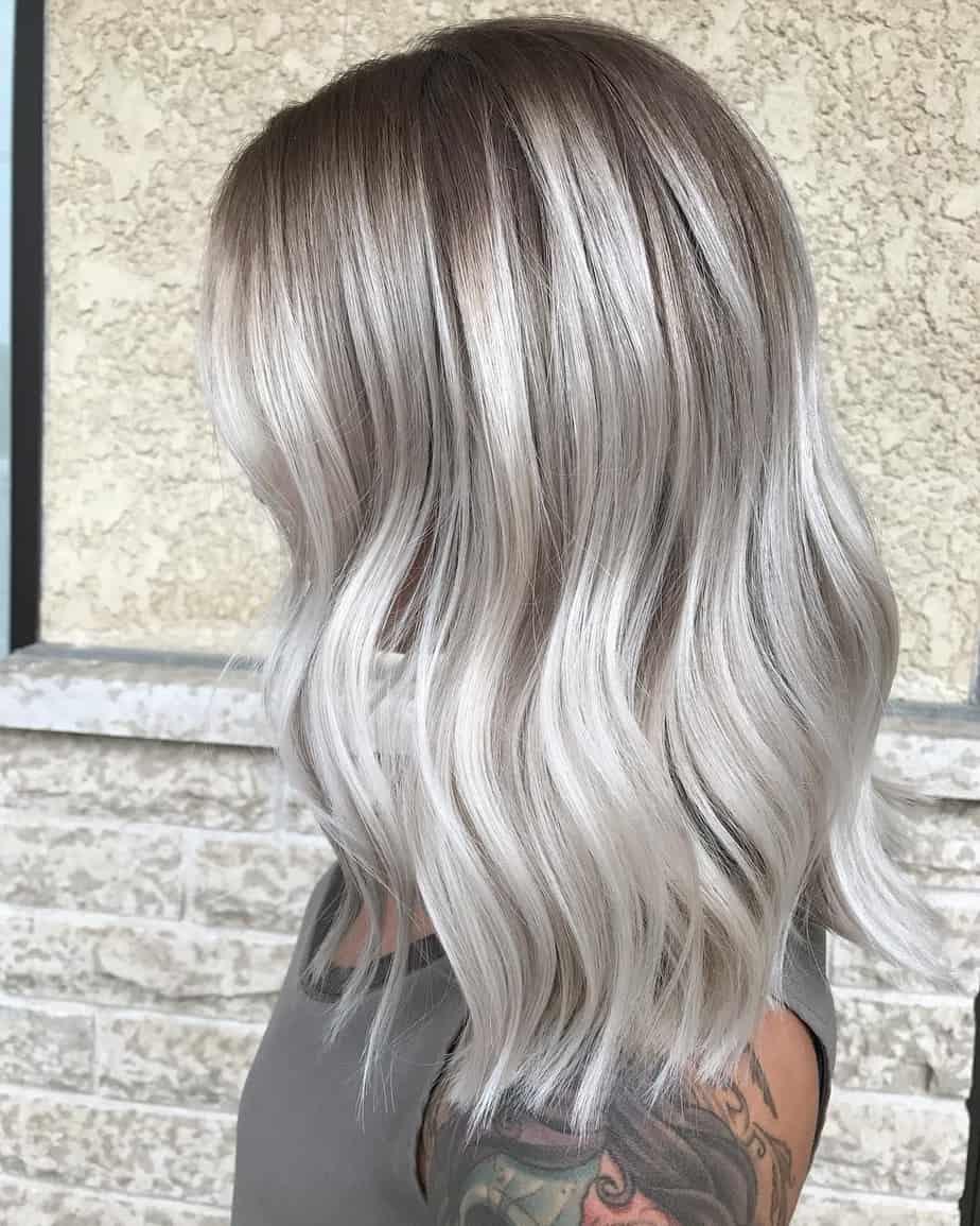 Couleurs tendance pour cheveux mi-longs: Balayage caramel